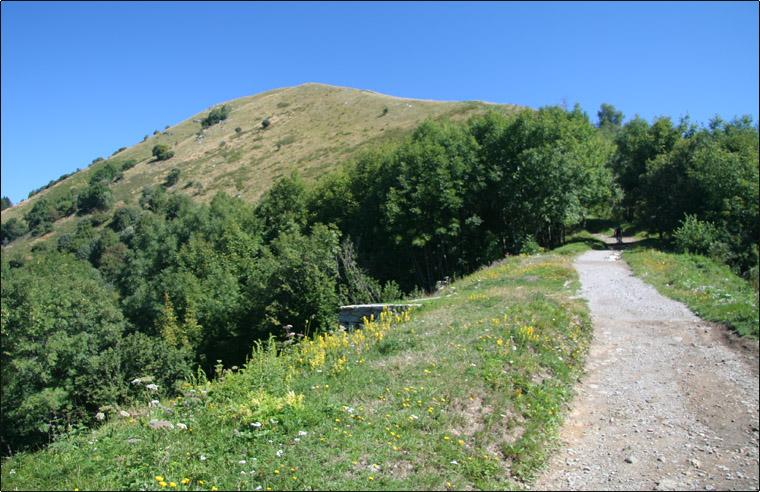 Monte Palanzone e panorama sulle Alpi Centro Occidentali