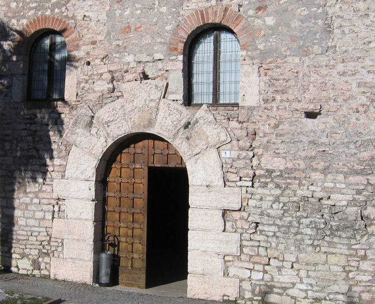 Castelli torri e palazzi del trentino forum natura - Finestre castelli medievali ...