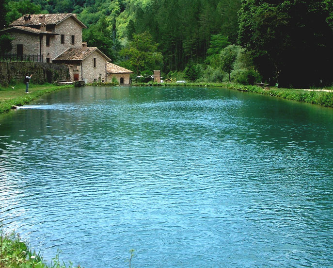 Panorami umbri forum natura mediterraneo forum for Disegni casa sul lago