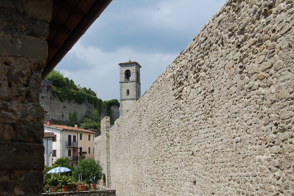 Castiglione di Garfagnana, Borgo Medievale.