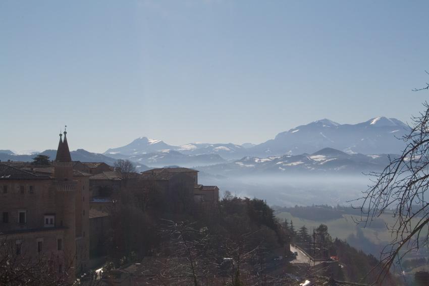 Un paesaggio rinascimentale: il Monte Catria visto da Urbino