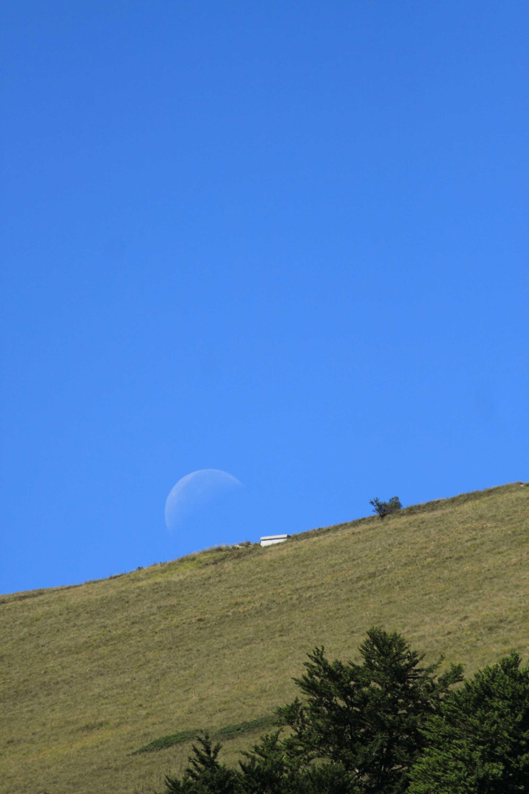 Spunta la luna dal monte ..