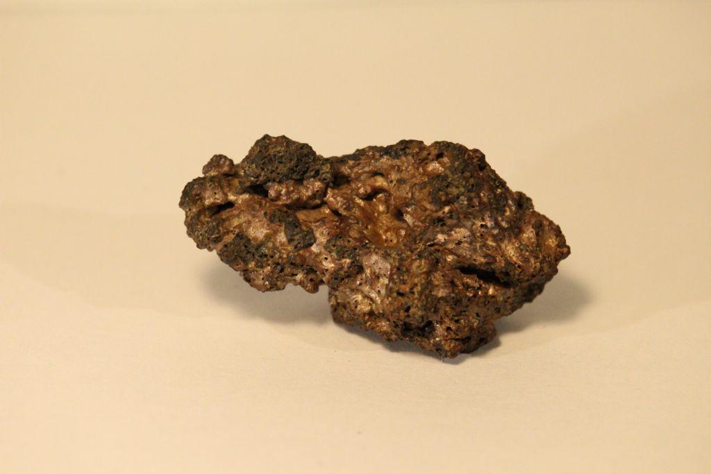 Lapillo vulcanico con metallo