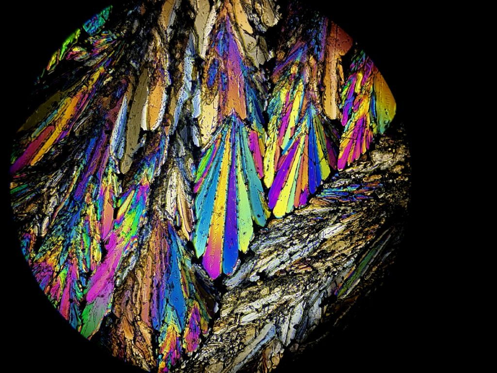 Cristalli in luce polarizzata